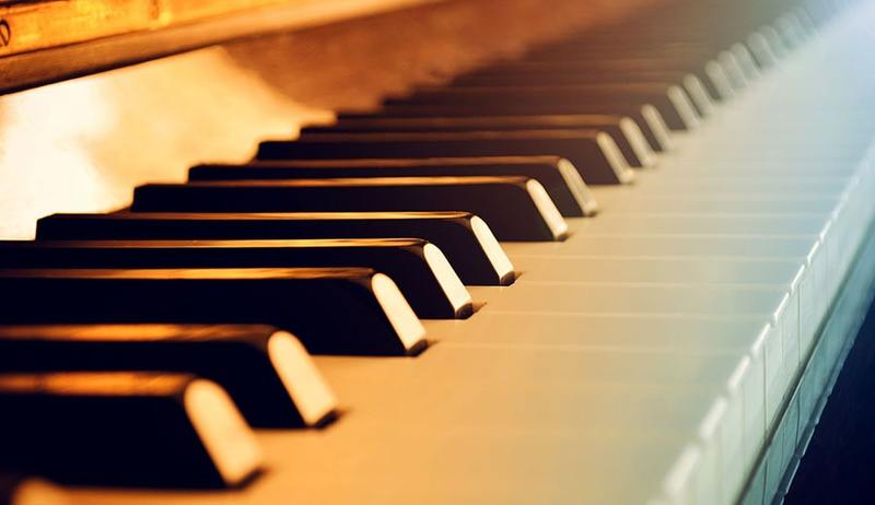 choose-group-piano-courses-or-private-lessons