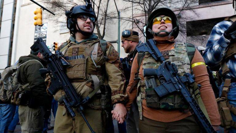 Virginia gun-rights rally opens peacefully amid fears of extremist violence